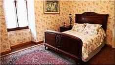 antik ágy a hálószobában (Lakberendezés 10)