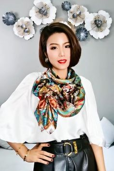 Ways To Tie Scarves, How To Wear Scarves, Scarf Wearing Styles, Scarf Tying Tutorial, Scarf Design, Fashion Over 50, Silk, My Style, Womens Fashion
