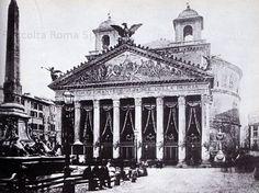 Pantheon listato a lutto per i funerali di Vittorio Emanuele II. Ci sono ancora i due campanili seicenteschi attribuiti al Bernini Anno: 1878