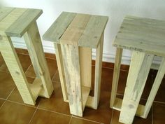 Recycled pallet stools more pallet stool, pallet bar stools, diy ba Pallet Bar Stools, Pallet Stool, Diy Bar Stools, Diy Pallet Furniture, Wood Furniture, Wood Stool, Pallet Crafts, Diy Pallet Projects, Wood Projects