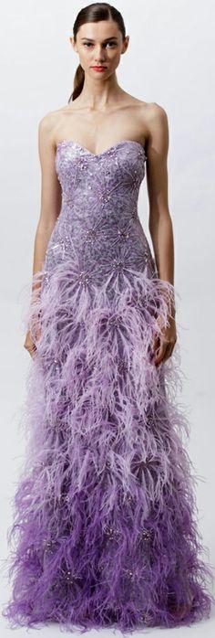 Badgley mischka vestidos de fiesta cortos y largos лиловый, одежда, платья. Fashion Week, Fashion Show, Purple Gowns, Purple Dress, Color Lila, Fru Fru, Purple Fashion, Feather Fashion, Ellie Saab