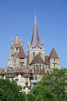 Lausanne Cathedral (Switzerland), the biggest church in Switzerland Lausanne, Travel Sights, Places To Travel, Places To See, Notre Dame Basilica, Gothic Cathedral, Lake Geneva, Place Of Worship, Kirchen