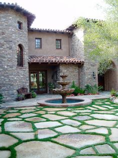 Entrance or driveway idea. Love the grass in between. Patio Tuscan Bedroom Design, Pictures, Remodel, Decor and Ideas - page 2 Stone Landscaping, Backyard Landscaping, Landscaping Ideas, Pavers Ideas, Tuscan Home Decorating, Fountain Design, Stone Facade, Flagstone Patio, Patio Stone
