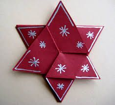We have this year plenty of Christmas decor ideas to offer you. NOT… - DIY Christmas Decorations Diy Christmas Cards, Homemade Christmas Gifts, Christmas Crafts, Christmas Decorations, Holiday Decor, Picture Frame Wreath, Diy Crafts To Do, Merry Christmas Everyone, Napkin Folding