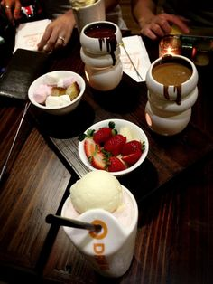 Oh hi Max Brenner. w/ the soon-to-be's & 김애린
