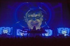Google Image Result for http://thefilmstage.com/wp-content/uploads/2011/12/chemical-brothers-live-visuals-show-hollywood-bowl-dance-620x411.jpg