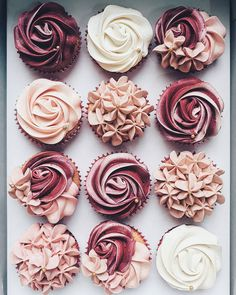 A weekend with kids parties means leftover cupcakes for me on Monday. I WISH 😅 But in all seriousness, I love kids parties because I love cupcakes 😍 Buttercream Cupcakes, Cupcake Cakes, Cup Cakes, Cupcake Frosting, Baking Cupcakes, Cupcakes Flores, Floral Cupcakes, Cupcakes Design, Pink Cupcakes