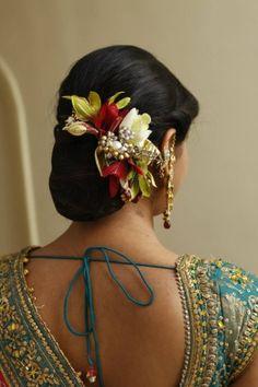 "Zarna's Bridal World ""Portfolio"" Bridal Hairstyle for Long Hair Bridal Wedding Hairstyle, Mehendi Hairstyle. Wedding Hair,WeddingNet #weddingnet #indianwedding #weddinghairstyle #mehendihairstyle #hairstyle #bunhairstyle Bridal Hairstyle Indian Wedding, Bridal Hair Buns, Bridal Hairdo, Indian Bridal Hairstyles, Short Wedding Hair, Wedding Hairstyles For Long Hair, Crown Hairstyles, Bride Hairstyles, Flower Hairstyles"
