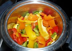 Recipe - Avial - An oil-free, healthy blend of boiled vegetables with coconut! Healthy Crockpot Recipes, Slow Cooker Recipes, Healthy Meals, Boiled Vegetables, Vegetable Stew, How To Slim Down, Good Food, Lose Weight, Healthy Eating