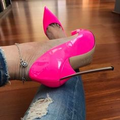 Neon pink Casadei blade. Tacchi Close-Up #Shoes #Tacones #Heels