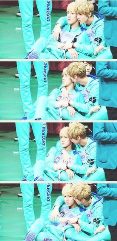 kekeke aww~ Luhan and Thehun~ keke is it just me or is Luhan kissing Sehun's neck~?? keke well thats cute~ ^^gotta love HunHan gulls~!