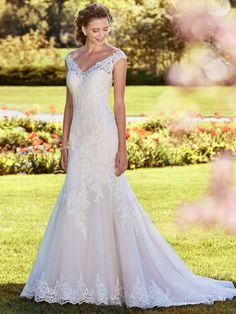 *Maggie Sottero, 8RS539, Nancy, Ivory, Sz 24, $1148 Available at Debra's Bridal Jacksonville, FL 32256 Contact us to make an Apt. (904) 519 9900