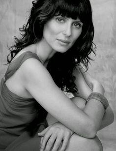 Aitana Sanchez Gijón Spanish Actress, Actor Headshots, Period Dramas, Woman Face, Jon Snow, Eye Candy, Cinema, Beautiful Women, Actors