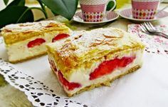 Cremsnit cu foietaj de casa si capsuni Romanian Food, Romanian Recipes, The Turk, French Toast, Sandwiches, Sweets, Breakfast, Ethnic Recipes, Pastries