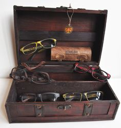 KOWALSKI  leather-goods manufacturer making eyewear with a distressed look