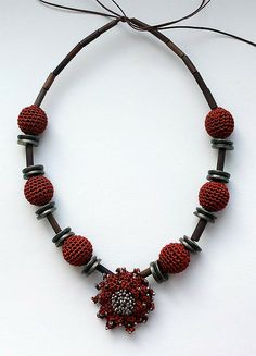 Crochet necklace with flower