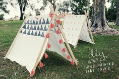 para tus niños...  47 DIYs For The Cash-Strapped Music Festival-Goer - Stand out on the campgrounds by making your own teepee tent.