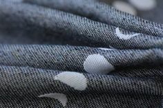 Solnce Phases Aya  45% Egyptian cotton, 35% Japanese confetti silk, 20% merino wool, 270 gr/m2, triweave  size 6 - 450€, size 5 - 420€, size 4 - 390€, size 3 - 360€ size 6* - 430€, size 5* - 400€ (small weaving imperfections)