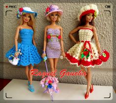 Barbie Clothes Patterns, Crochet Barbie Clothes, Clothing Patterns, American Girl, Crochet Doll Dress, Barbie And Ken, Barbie Dress, Crochet Fashion, Fashion Dolls