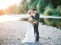 Photography: Maria Lamb - www.marialamb.co  Read More: http://www.stylemepretty.com/2015/04/01/rustic-oregon-barn-wedding/