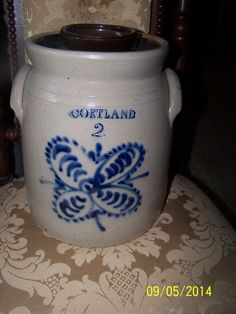 ANTIQUE CORTLAND TABLE TOP STONEWARE CHURN 2 GAL WITH NICE COBALT BLUE DESIGN