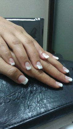 Paper forms Gel Nail extensions With v French tip. French Polish, French Nails, Shellac Pedicure, Manicure, Acrylic Nail Designs, Acrylic Nails, Nail Heart, Lcn Nails, Gel Nail Extensions