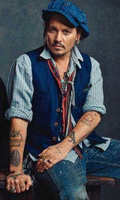Johnny Depp yummy in blue Channing Tatum, Hot Actors, Actors & Actresses, Beautiful Men, Beautiful People, Simply Beautiful, The Hollywood Vampires, Hollywood Men, Johnny Depp Pictures