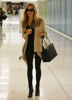 Simple and casual airplane outfits Mode Chic, Mode Style, Fall Winter Outfits, Autumn Winter Fashion, Style Work, Airplane Outfits, Look 2015, Moda Outfits, Look Fashion