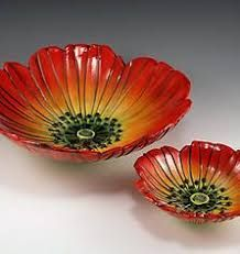 Orange Poppy Flower Shaped Bowls by ceramic artist Natalya Sots♥༺✿༻♥ Ceramic Poppies, Ceramic Flowers, Clay Flowers, Slab Pottery, Pottery Bowls, Pottery Art, Ceramic Pottery, Pottery Painting Designs, Pottery Designs