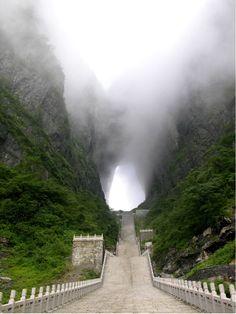 Straight up to Heaven's Gate // Tianmen Mountain, Zhangjiajie, Hunan, China