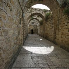 Israel Old city, image credit by Emmanuel Dyan.  Just Go Places | Share Travel Experience
