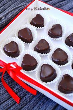 Jadalne prezenty bez cukru. Wegańskie czekoladki z masłem orzechowym. Sugar Free Sweets, Granola, Oreo, Gluten, Pudding, Desserts, Recipes, Food, Diet