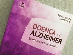 Livro com exercícios cognitivos para idosos com Alzheimer
