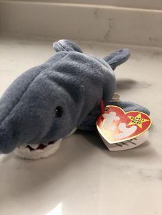 PE pellets Mint w// Tag Ty Beanie Babies Crunch the Shark 1996