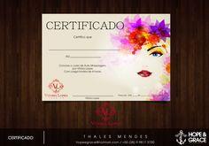Certificado de conclusão do curso de Auto Maquiagem promovido pela Vitoria Lopes Make-Up de Paracatu - MG.