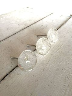*Listing price is for one glass knob with screw. Show off these clear, bubble knobs featuring a clear glass body that will add a personal Kitchen On A Budget, Home Decor Kitchen, Country Kitchen, Kitchen Design, Wicker Furniture, New Furniture, Solid Doors, Glass Knobs