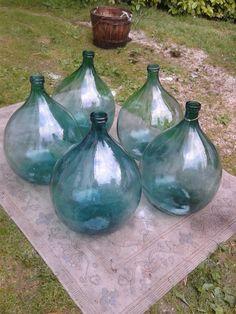 Italian demijohn wine bottles. www.italiandemijohn.com