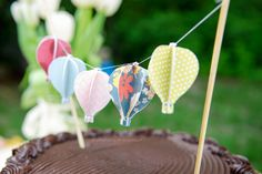 Tiny hot air balloon banner cut with Silhouette Cameo. Anything in mini version is so much cuter and this is not an exception!