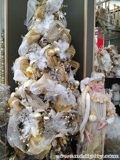 white and gold christmas tree, christmas tree tutorial #christmastree