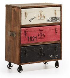 MALETERO XYN Cajonera de estilo vintage, realiada con esructura de madera de mango natural y 3 cajones en forma de cobre de metal envejecido.  Medidas: h79 x 63 x 35 cm 386,00€