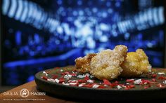 What's up when the Sound Designer wants strongly to see all the Sanremo Festival?The Phoyographer can:A - Go CrazyB - Run far awayC - Find a solutionA Sweet solution!CORIANDOLI FRITTI, the only way to survive Sanremo!Recipe:- 2 eggs- 2 spoons sugar- q.s. flour- ½ cup milk- 16gr baking powderEnjoy! ;)