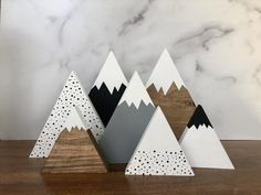 Diy Wood Projects, Wood Crafts, Diy And Crafts, Woodworking Projects, Holiday Crafts, Christmas Crafts, Christmas Decorations, Mountain Decor, Mountain Nursery