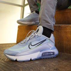 Nike Shoes, Shoes Jordans, Footwear Shoes, Tumblr Sneakers, Air Max Sneakers, Sneakers Nike, Latest Sneakers, Foot Locker, Jordan Shoes