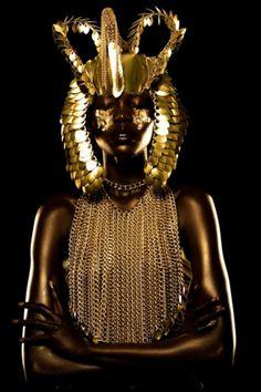 gold makeup black model - Sök på Google