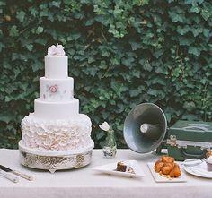 Sara Elizabeth - Custom Cakes & Gourmet Sweets: NOTE: Sara's blog has moved to a new location:htt...
