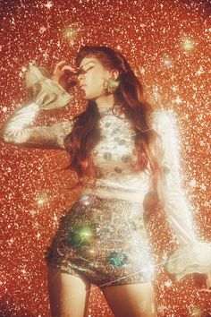 Girls' Generation member Seohyun is preparing for her solo debut with the release of individual teaser images. Seohyun's first mini album will be titled Don't Say No. Seo Ju Hyun, known professionally as Seohyun, is a South Korean singer and actress. Glam Rock, 70s Aesthetic, Aesthetic Vintage, Aesthetic Fashion, Aesthetic Pastel, Glitter Photography, Fashion Photography, Photography Outfits, Photography Ideas