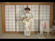 How To Dress Yukata & Kimono Part1 by ICHIROYA [in English, excerpt part of DVD compilation]