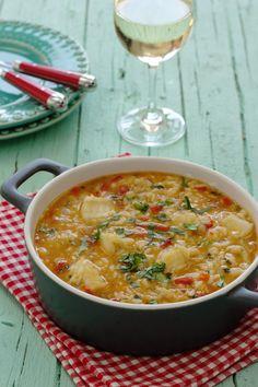 Cinco Quartos de Laranja: Arroz de tamboril Cookbook Recipes, Rice Recipes, Seafood Recipes, Cooking Recipes, Healthy Recipes, Red Rice Recipe, Paella, Gourmet Desserts, Plated Desserts