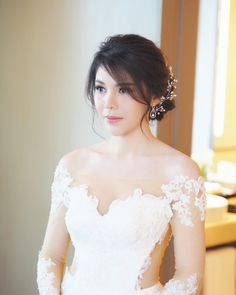Best Bridal Hairstyles Asian Up Dos 18 Ideas Asian Bridal Hair, Bridal Hairstyle Indian Wedding, Asian Bridal Makeup, Bridal Hair Buns, Hairdo Wedding, Braided Hairstyles For Wedding, Asian Hair, Veil Hairstyles, Flower Girl Hairstyles
