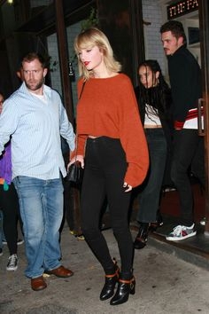 ideas for fashion style street taylor swift ideas for fashion style street taylor swiftYou can find Taylor swift outfits and mo. Taylor Swift Casual, Estilo Taylor Swift, Taylor Swift Outfits, Taylor Alison Swift, Taylor Swift Clothes, Taylor Swift Fashion, Taylor Swoft, Rihanna Fashion, Trendy Fashion